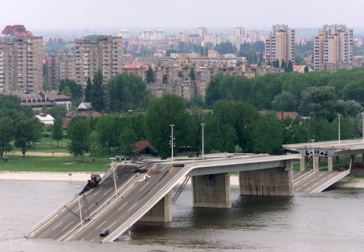 BRIDGE DESTROYED IN NOVI SAD